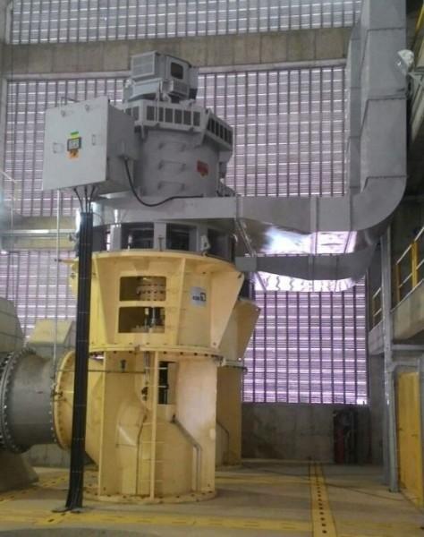 Foto de Dos motores sincrónicos WEG de 5500kW, 6900V, 16 polos