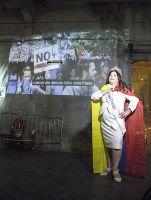 Foto de Nina Dotti presenta Help Venezuela